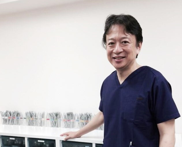 青山色彩治療院院長 保田宏一